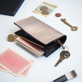 片マチ ファスナーポケット付キーケース(ペイント シルバー)【カードがたくさん入る】