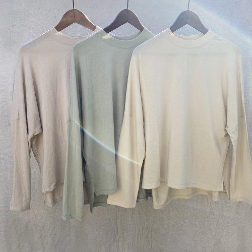Pale tone Cut Sew