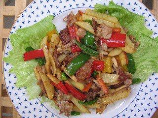 にんにく豚肉パプリカジャガイモカラフル炒め煮豚