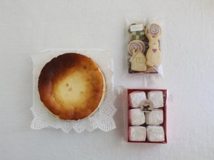 ミニチーズケーキ&クッキー2種