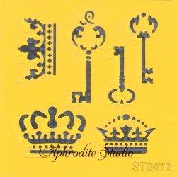 【デコレーション・キーとクラウン 王冠】 ステンシルシート♪ 16cm角 テンプレート エンボス ITD Collection