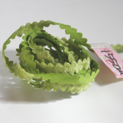 グリーン リボン トリム  155cm カット済み 1本 お裁縫、スクラップブッキング、カルトナージュなどの装飾に