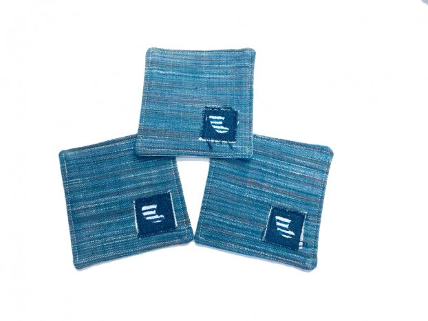 <img class='new_mark_img1' src='//img.shop-pro.jp/img/new/icons8.gif' style='border:none;display:inline;margin:0px;padding:0px;width:auto;' />BLUER DENIM COASTER(3pieces)DEEP BLUE FIN