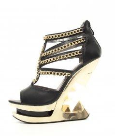 国内発送 チェーンとピラミッドヒールのサンダルNIKA|hadesブランド靴通販