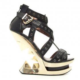 海外取寄 ハトメベルトとピラミッドヒールのサンダルTAUNT|ヘイディーズ-ブランド靴通販