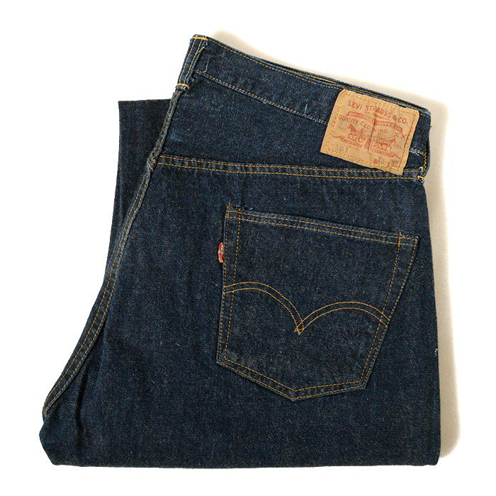 LEVI'S 501 BIGE JEANS( UNUSED/MINT )