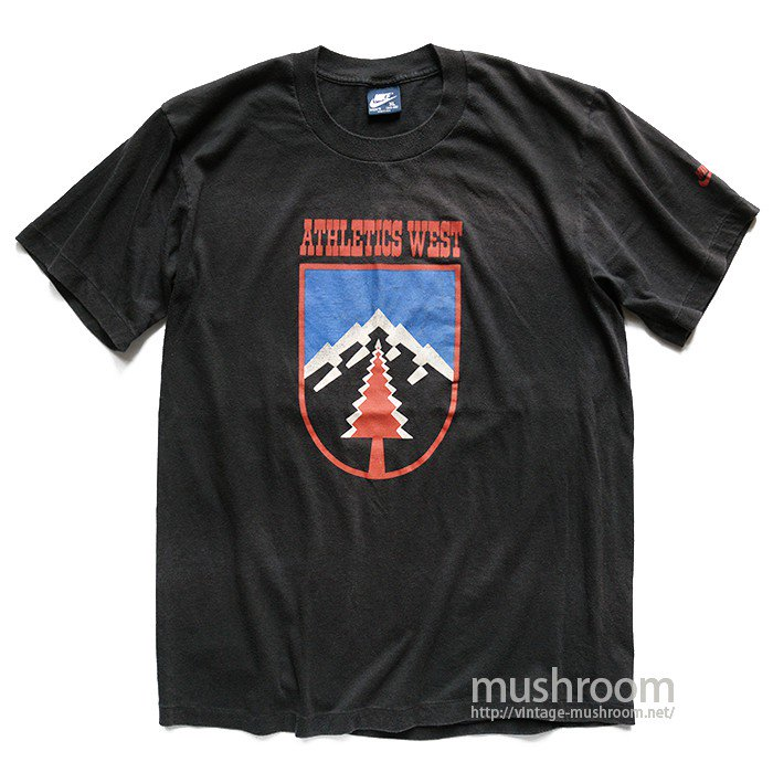 NIKE ATHLETIC WEST T-SHIRT
