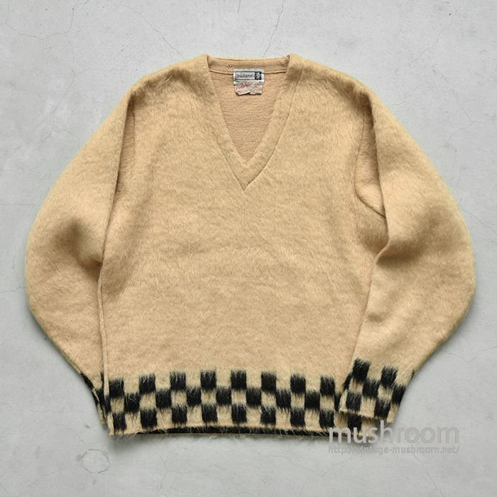 OLD V-NECK MOHAIR WOOL SWEATER