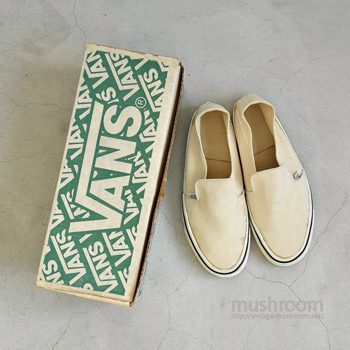 VANS SLIP ON CANVAS SHOES WITH BOX