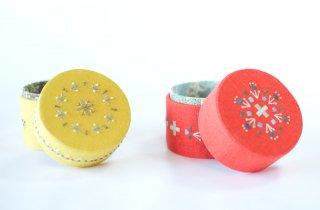 TETOTE   TUTU  手刺繍の小箱(リバティプリント)