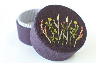 TETOTE   TUTU  手刺繍の小箱