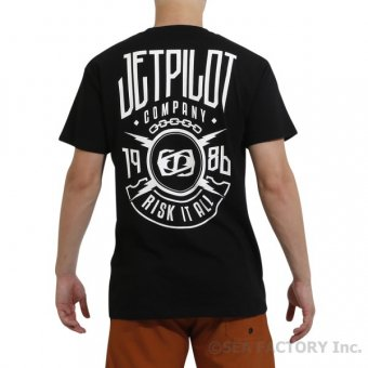 <img class='new_mark_img1' src='https://img.shop-pro.jp/img/new/icons47.gif' style='border:none;display:inline;margin:0px;padding:0px;width:auto;' />JETPILOT 2019 ROLLOUT MENS TEE(ブラック・Lサイズ)