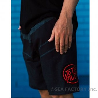 <img class='new_mark_img1' src='https://img.shop-pro.jp/img/new/icons5.gif' style='border:none;display:inline;margin:0px;padding:0px;width:auto;' />JETPILOT 2019 INCISION BOARDSHORT(ブラック/チャコール)