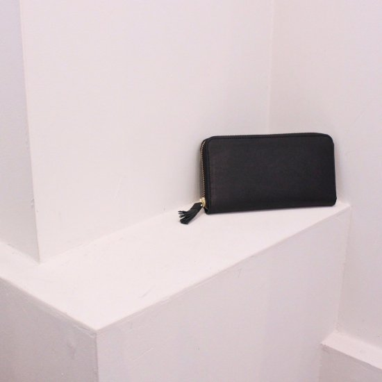 Yammart  tassel zip long wallet [ブラック]