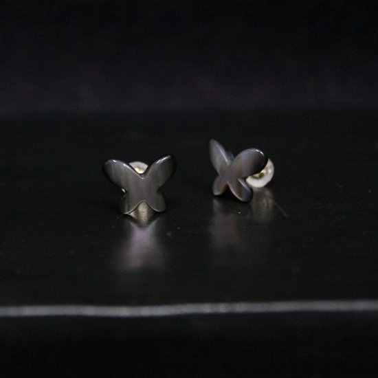 <img class='new_mark_img1' src='//img.shop-pro.jp/img/new/icons14.gif' style='border:none;display:inline;margin:0px;padding:0px;width:auto;' />Art Jewelry Marble   蝶々 黒蝶貝  ピアス