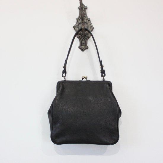 <img class='new_mark_img1' src='https://img.shop-pro.jp/img/new/icons47.gif' style='border:none;display:inline;margin:0px;padding:0px;width:auto;' />Yammart   plain gama hand bag-square [ black ]