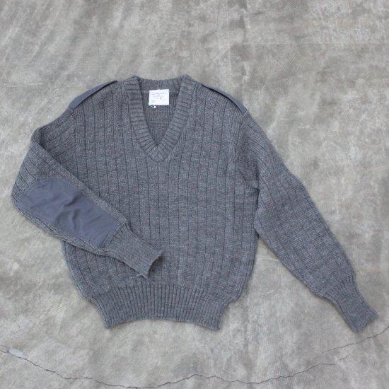 U.K  V-neck   Combat Knit