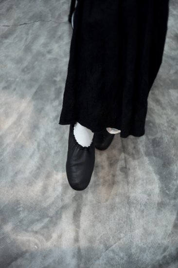<img class='new_mark_img1' src='https://img.shop-pro.jp/img/new/icons14.gif' style='border:none;display:inline;margin:0px;padding:0px;width:auto;' />BEAUTIFUL SHOES  - BALLET SHOES -  [black]