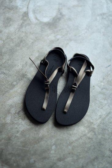 <img class='new_mark_img1' src='https://img.shop-pro.jp/img/new/icons47.gif' style='border:none;display:inline;margin:0px;padding:0px;width:auto;' />beautiful shoes BAREFOOTSANDAL [KAHKI]