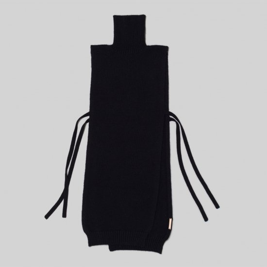 <img class='new_mark_img1' src='https://img.shop-pro.jp/img/new/icons14.gif' style='border:none;display:inline;margin:0px;padding:0px;width:auto;' />_Fot フォート long cape vest  low gauge  [black]