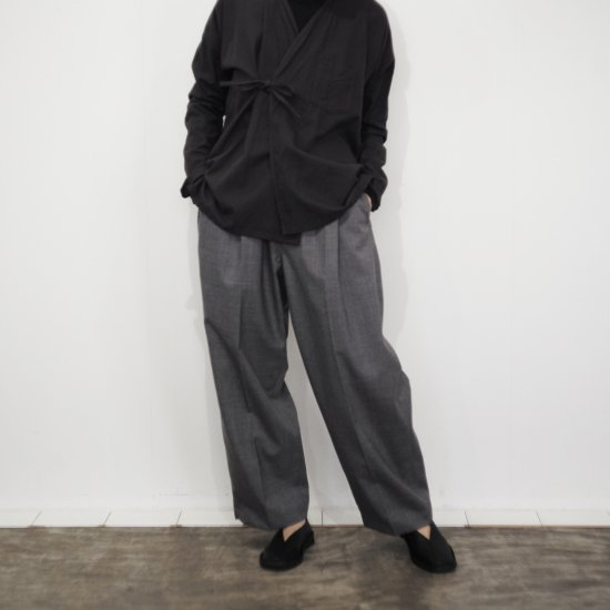 <img class='new_mark_img1' src='https://img.shop-pro.jp/img/new/icons14.gif' style='border:none;display:inline;margin:0px;padding:0px;width:auto;' />Masnou design  Trousers DeSoto Model.