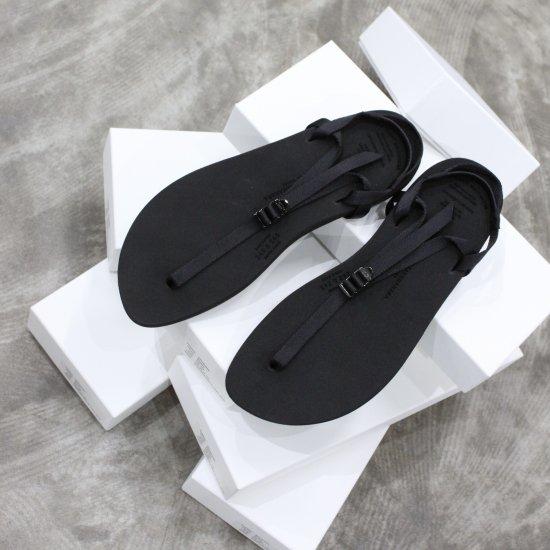 <img class='new_mark_img1' src='https://img.shop-pro.jp/img/new/icons14.gif' style='border:none;display:inline;margin:0px;padding:0px;width:auto;' />beautiful shoes   BAREFOOTSANDAL [black]