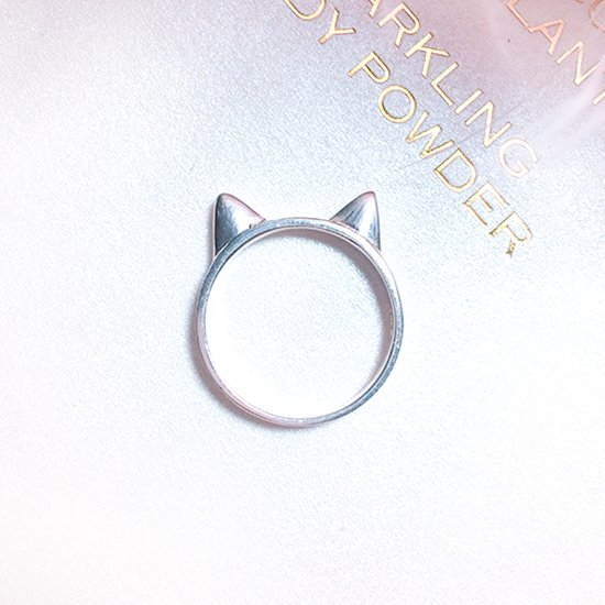 【Silver925】猫耳リング(7号)<img class='new_mark_img2' src='//img.shop-pro.jp/img/new/icons14.gif' style='border:none;display:inline;margin:0px;padding:0px;width:auto;' />