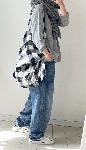 大きいチェックのショルダーバッグ・handmade
