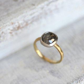 ローズカット・ダイヤモンドリング 〈オーバル・グレー〉