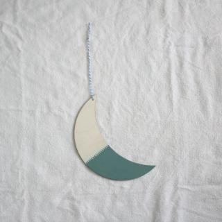 THE GREAT LAKES GOODS/ウォールチャーム〈THE MOON SEES ME (Moss)〉