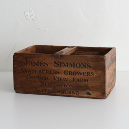 WOOD BOX/JAMES SIMMONS