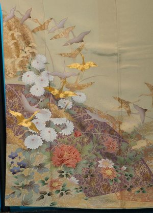 TI545色留袖レンタル裄67(身長145-165ヒップ77-102) 正絹  グリーンベージュ 鶴に牡丹 [山本寛斎]kansai