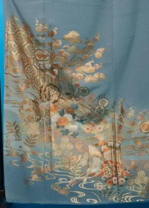 TI525ワイド色留袖レンタル(裄69-73身長145-165ヒップ86-111バスト76-101)正絹 水色系 御所車 金彩