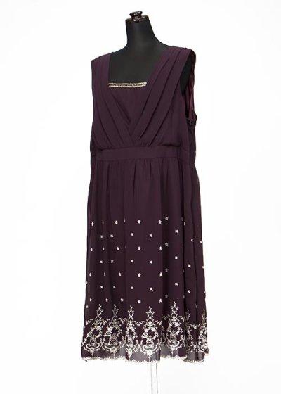 HD29-5 ゲストドレスレンタル 29号7L ウエスト106cm ワイン 胸元に金ライン 裾に刺繍  新品未使用