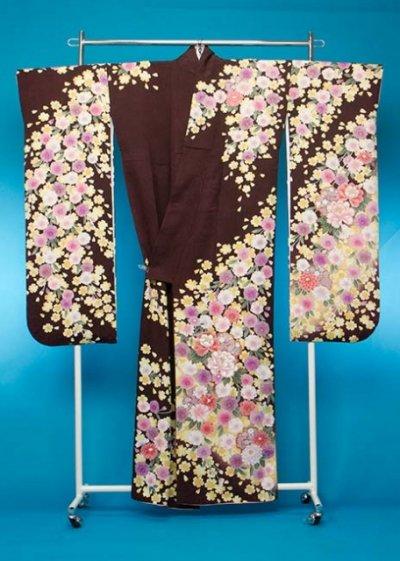 F615トール振袖レンタル裄72(身長150-170ヒップ75-105) 正絹 濃いこげ茶 桜