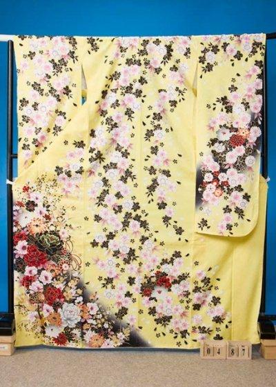 F631トール振袖レンタル裄71(身長146-166ヒップ70-100)正絹 薄い黄色 桜【新品同様】
