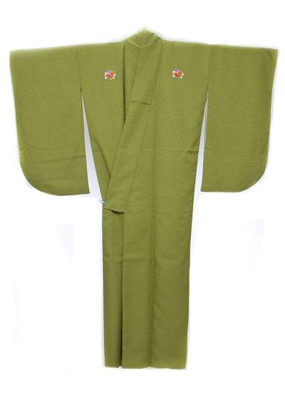 S631小振袖レンタル 裄68-70(ヒップ73-103) 抹茶 緑の強い黄緑 無地 花紋 (3つ紋)