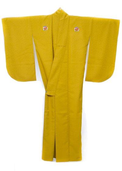 S632小振袖レンタル 裄69-71(ヒップ71-101) 黄色系 黄色の強い黄緑 無地 花紋 (3つ紋)