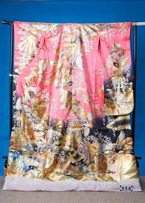 U556超トール打掛レンタル裄69(身長162-182胴回り89-119)ピンク/黒 金箔