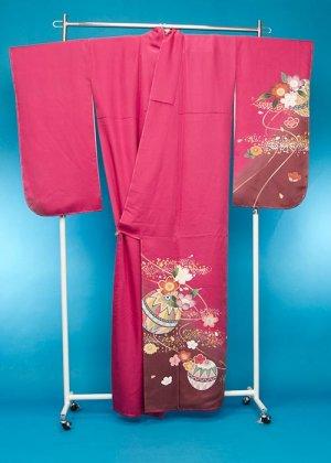 S448トールワイド小振袖レンタル裄72(身長147-172ヒップ85-110) 正絹 濃いピンク まり 訳あり