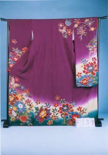 F139裄短めトール振袖レンタル 裄69-71(身長155-175ヒップ72-102)正絹 赤紫 紅型