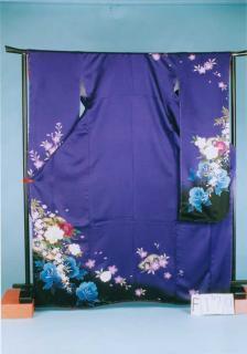 F170裄短めトール振袖レンタル 裄69-71 (身長155-175ヒップ72-102)紫系 花