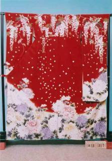 F337トール振袖レンタル 裄70(身長148-168ヒップ85-105) 正絹 赤系 藤の花と乱菊【新品同様】