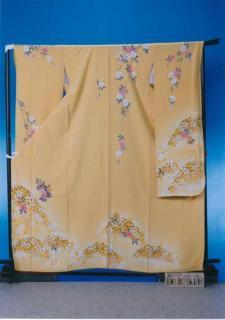 F365トール振袖レンタル 裄71(身長146-166ヒップ90-105) 正絹 薄い黄色 桜