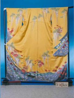 F366トール振袖レンタル 裄70(身長148-168ヒップ69-99)黄色 藤の花