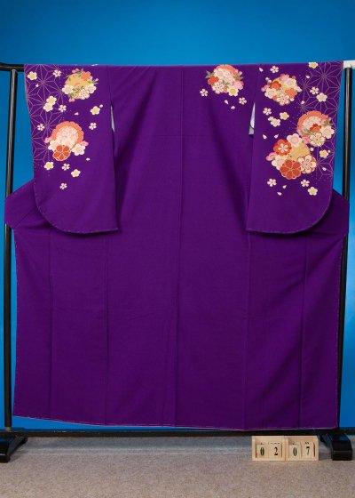 S207 小振袖レンタル L裄68(ヒップ76-106)紫 麻の葉模様に雪輪 梅
