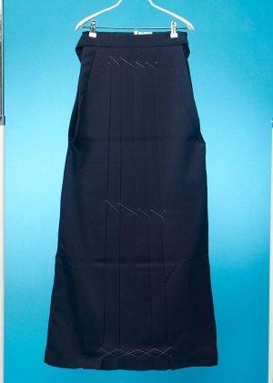 HA101-2トールややワイド女袴レンタル(身長168-173ブーツの場合173-178)ヒップ70-110)紺 無地  前幅広め 前ひもロング