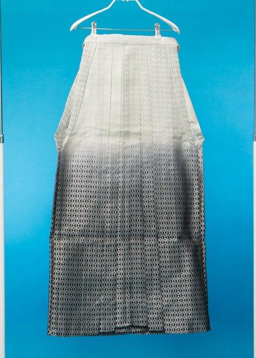 MH100-1トール男袴レンタル 紐下100(身長193-198cm前後)白黒ぼかし 銀の菱模様
