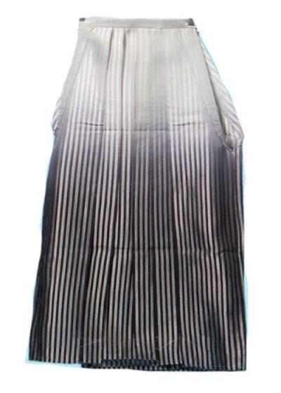 普通サイズの男袴 身長170-175cm前後 グレーと銀のストライプ 黒ぼかし MH90-5