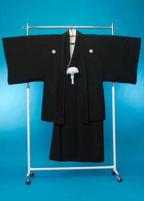 MP69-2黒紋付レンタル 身長160 胴回り72-102  正絹